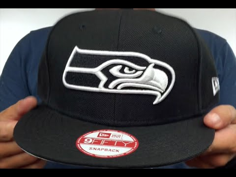 Seahawks 'TEAM-BASIC SNAPBACK' Black-White Hat by New Era