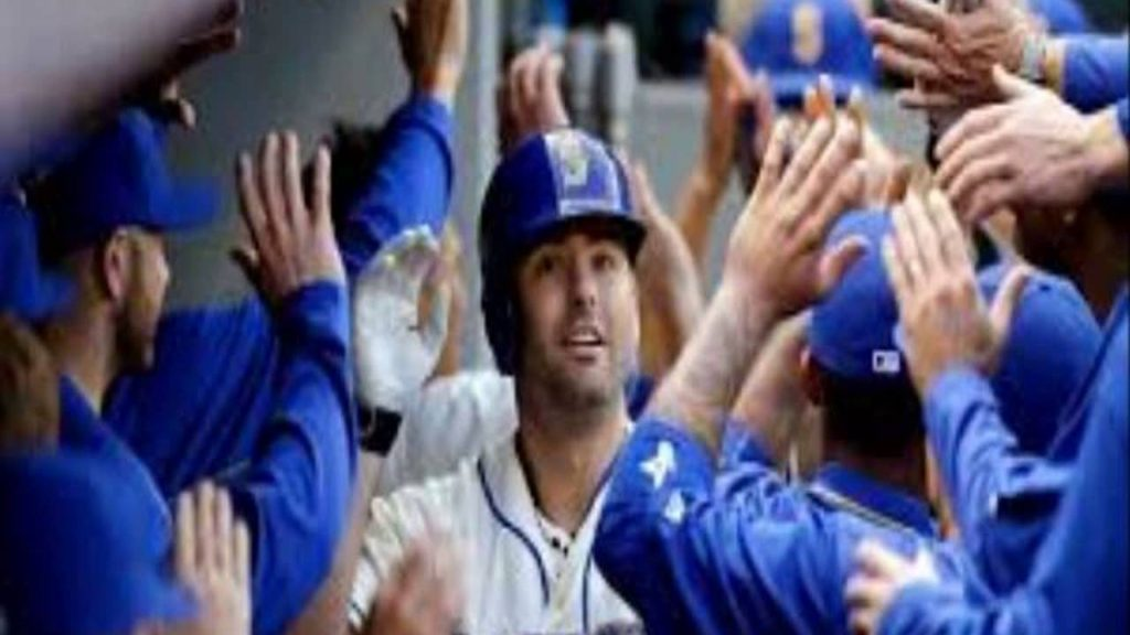 Mariners vs  Blue Jays Live coverage as Seattle looks to bounce back in huge series vs  Toronto