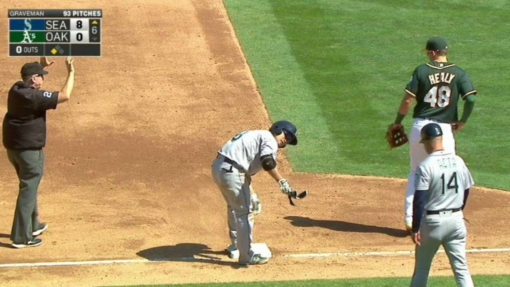 SEA@OAK: Aoki pads Mariners' lead with two-run double