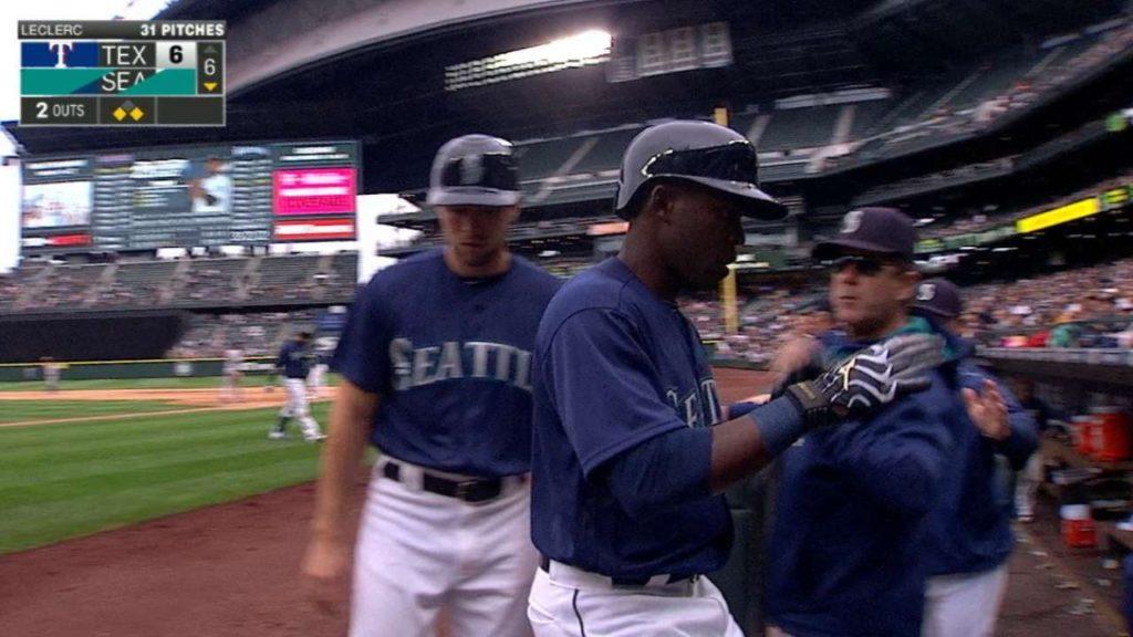 TEX@SEA: Mariners score six runs in the 6th