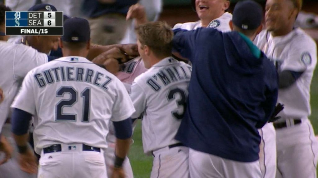 Zunino plates Lind to give Mariners walk-off