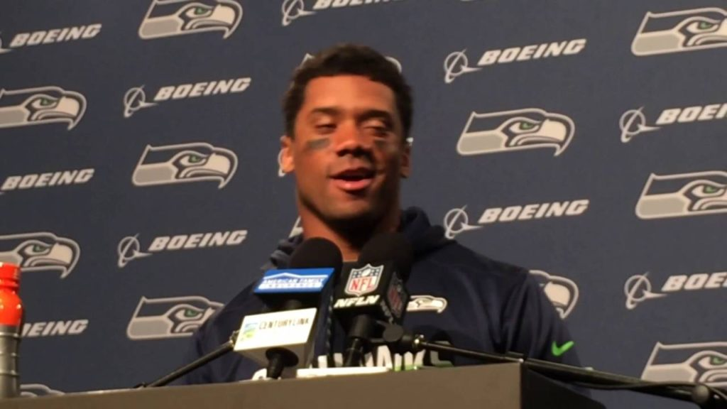 Russell Wilson describes his new knee injury from Seahawks' win over SF