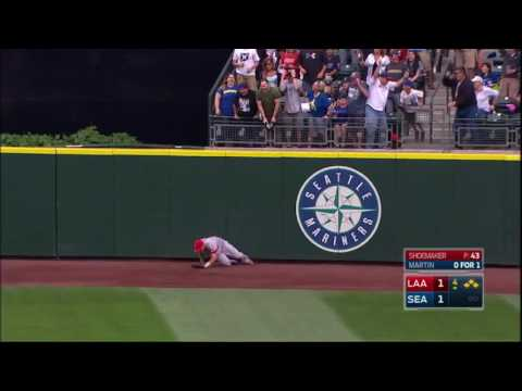 Mike Trout Robs a Grand Slam   Angels vs Mariners August 7, 2016