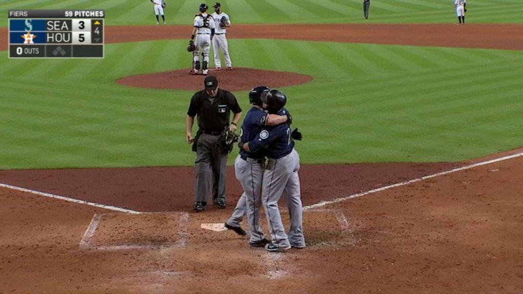 SEA@HOU: Mariners slug three home runs in the 4th