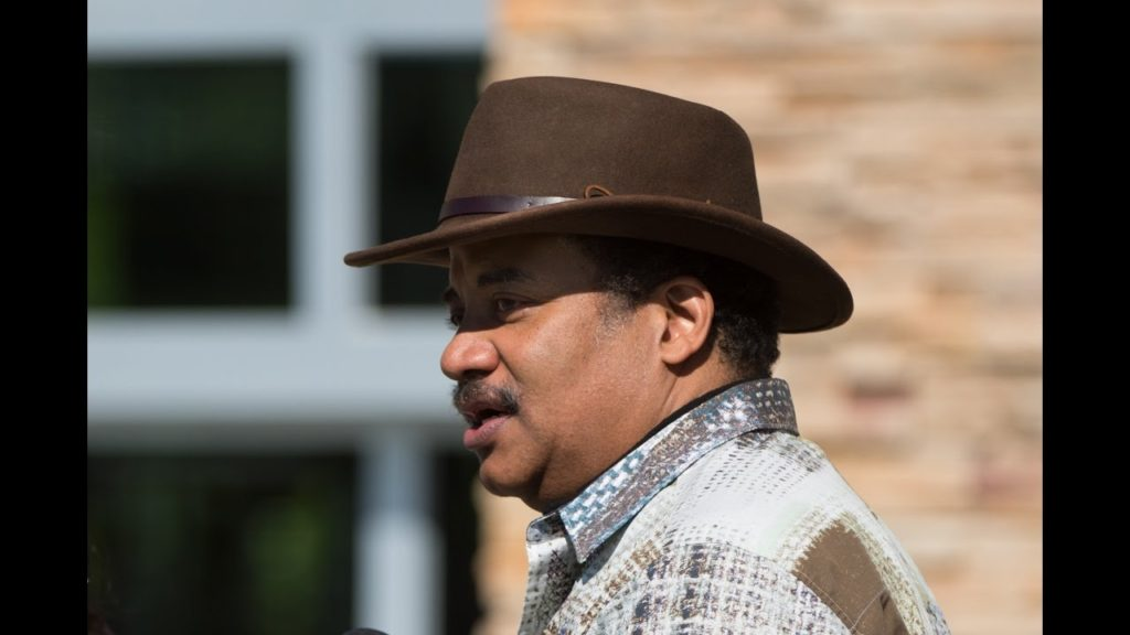 Astrophysicist Neil deGrasse Tyson Visits the Seahawks to Talk Physics and Football