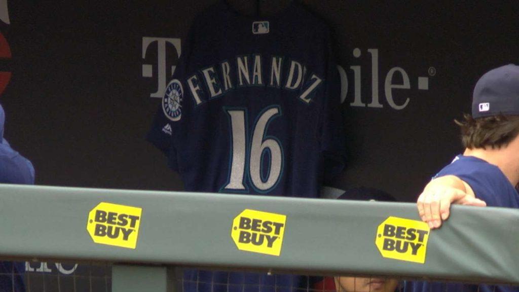 SEA@MIN: Mariners broadcast acknowledges Fernandez