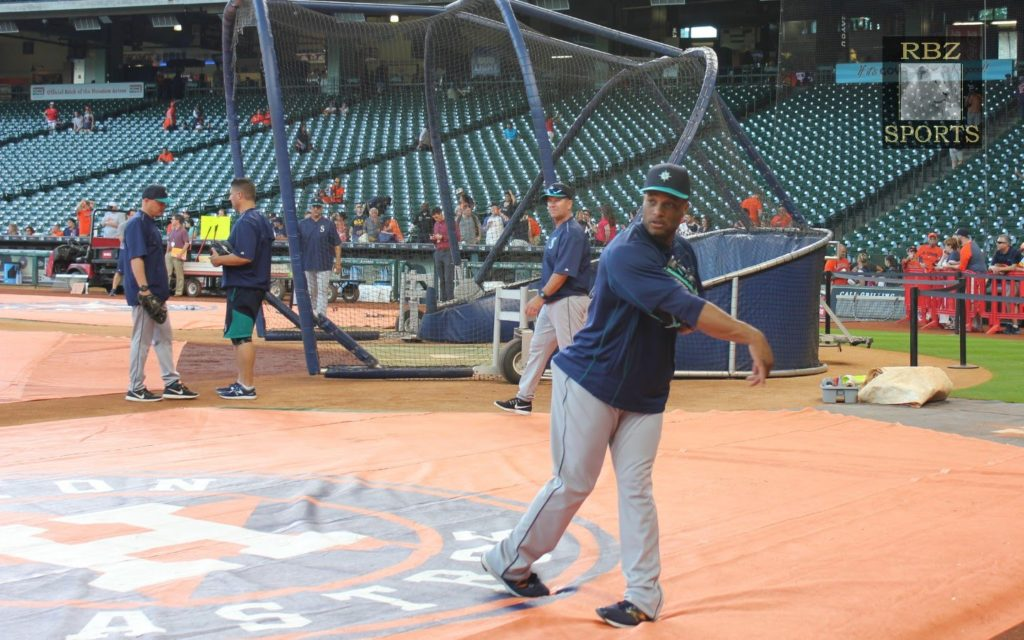 Seattle Mariners and Their Warming Ups