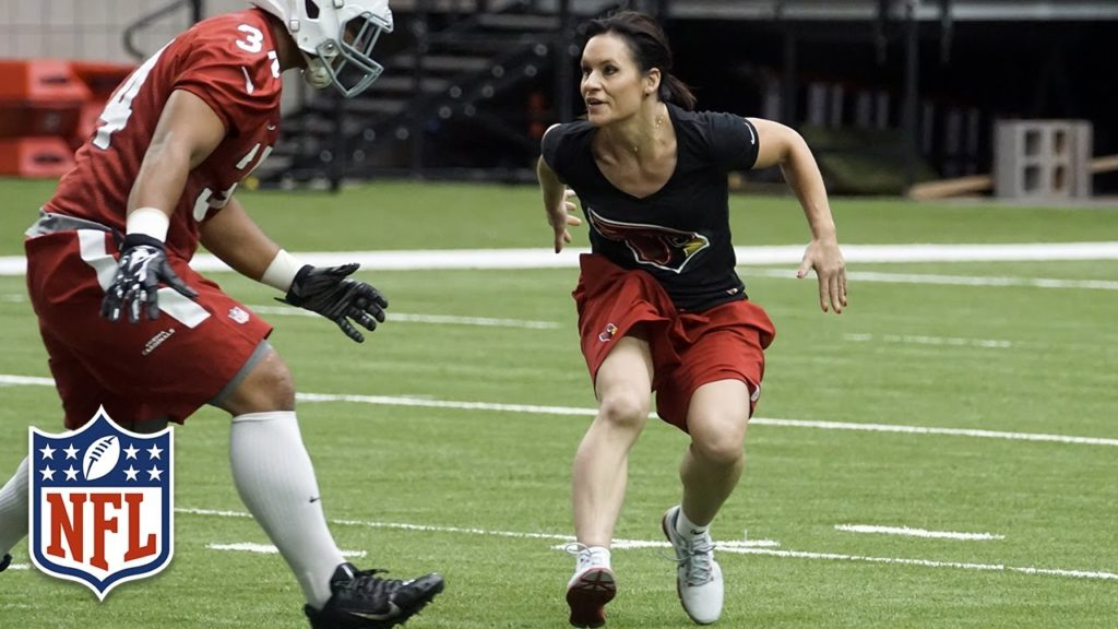 The Football Journey of Jen Welter | NFL Canada | Play 60