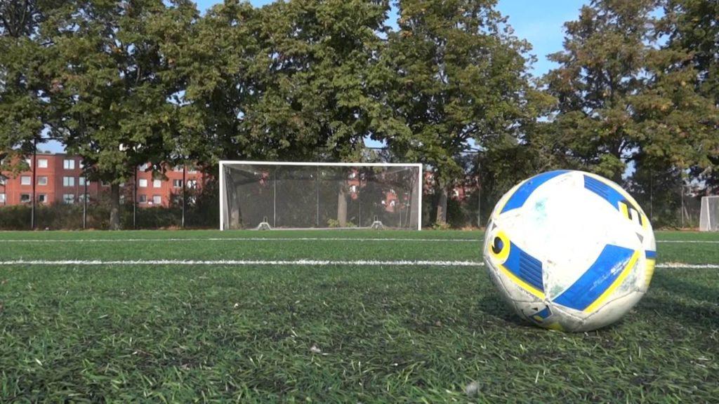 How to play football like Ronaldo (improving youre skills by training)