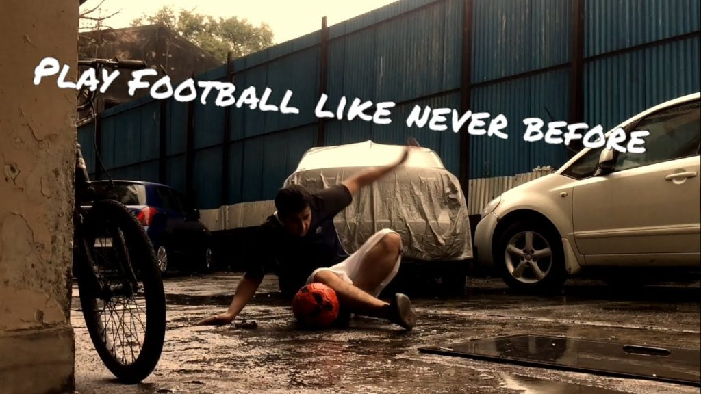 How To Play Football Like A Pro!!! (In under 5 minutes)