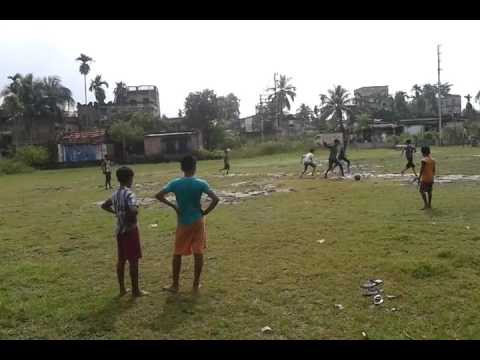 how to play on water field with football