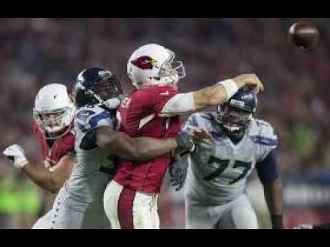 Seahawks' Earl Thomas hugs ref in TD celebration, gets flagged