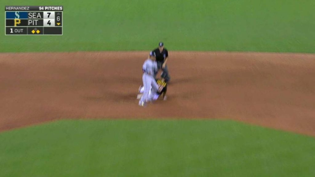SEA@PIT: Mariners get the out after overturned call