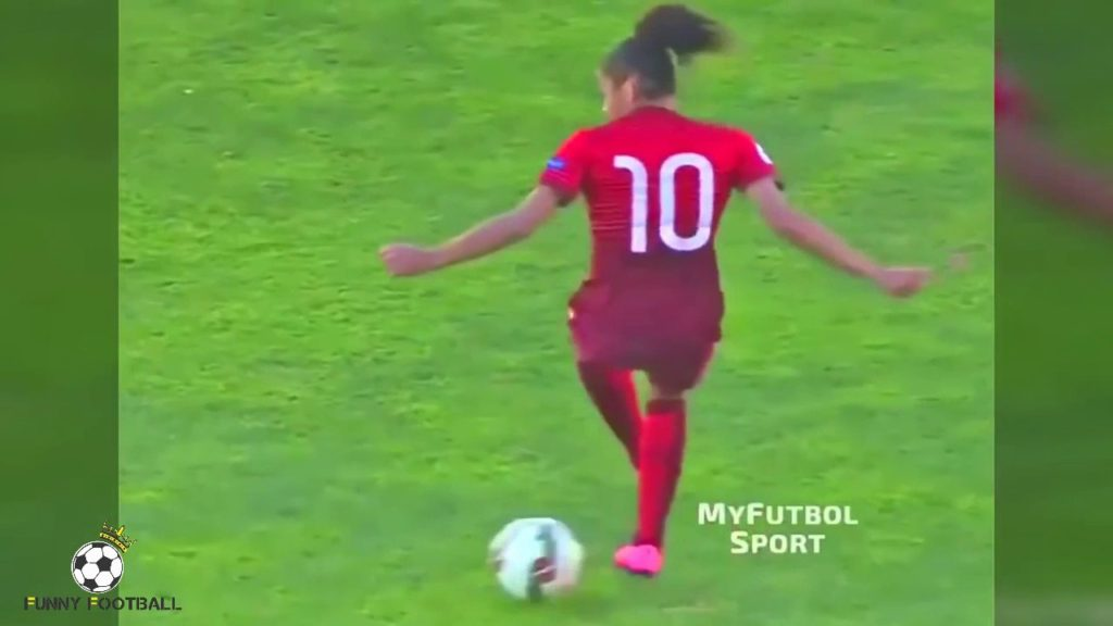 THE MOST HUMILIATING FOOTBALL SKILLS – VINES
