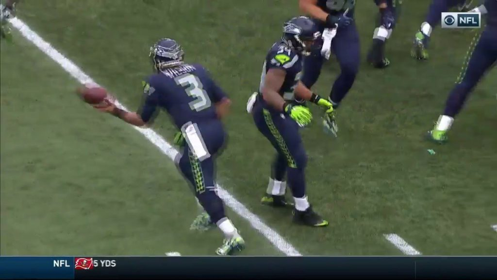 AMAZING TRICK PLAY Russell Wilson catches a touchdown from Doug Baldwin Seahawks vs Eagles 2016