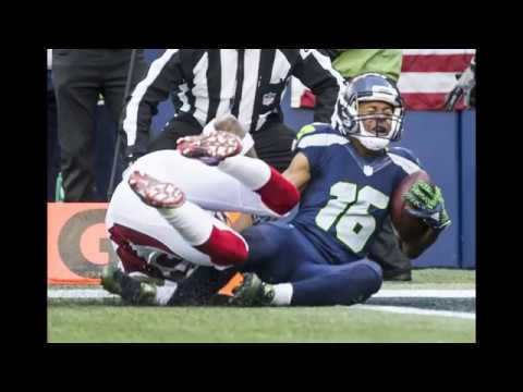 Tyler Lockett suffers gruesome leg injury trying to score