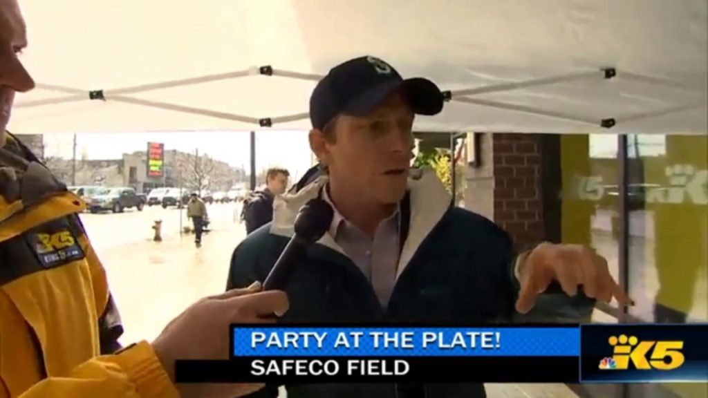 King5 Covers Texterator at Mariners Opening Day