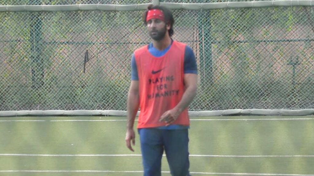 SPOTTED: Ranbir Kapoor Playing Football on the Field   SpotboyE