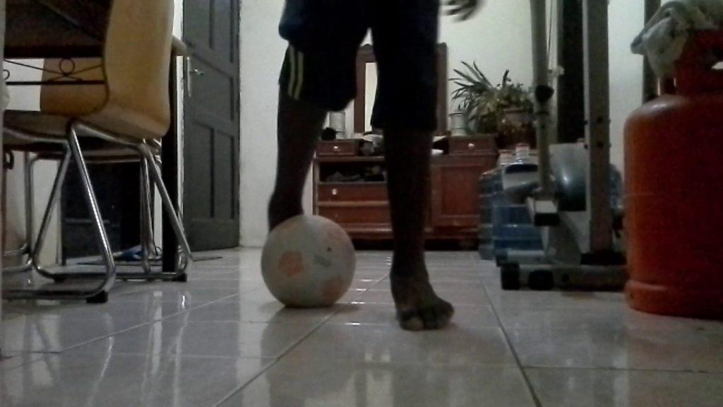 How to play football freestyle my skills soriya