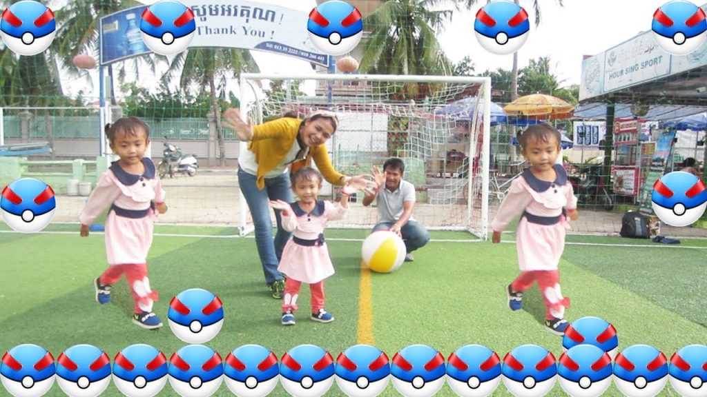 Play football with daddy and mommy in the Stadium /Song Nursery Rhymes for Kids/Nursery Rhymes/