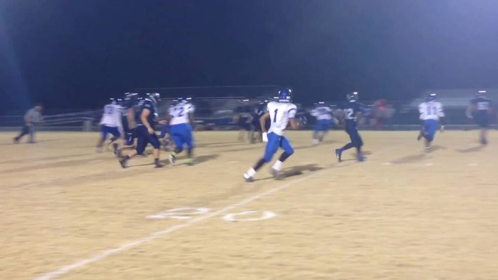 Football: Backup QB Will Warren keeps for a first down