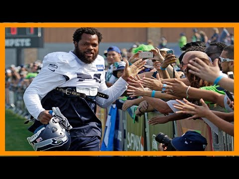 Seahawks' michael bennett plans to sit for national anthem