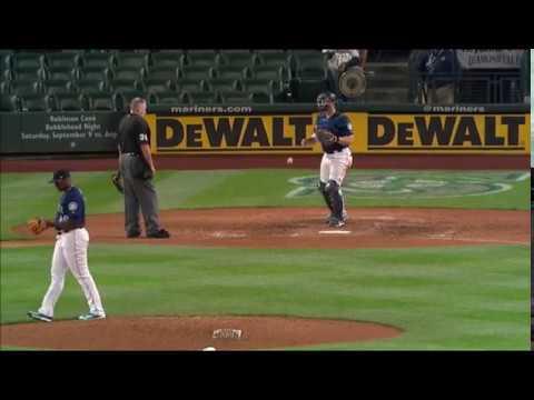 Mariners Thyago Vieira warm up wild pitch MLB debut