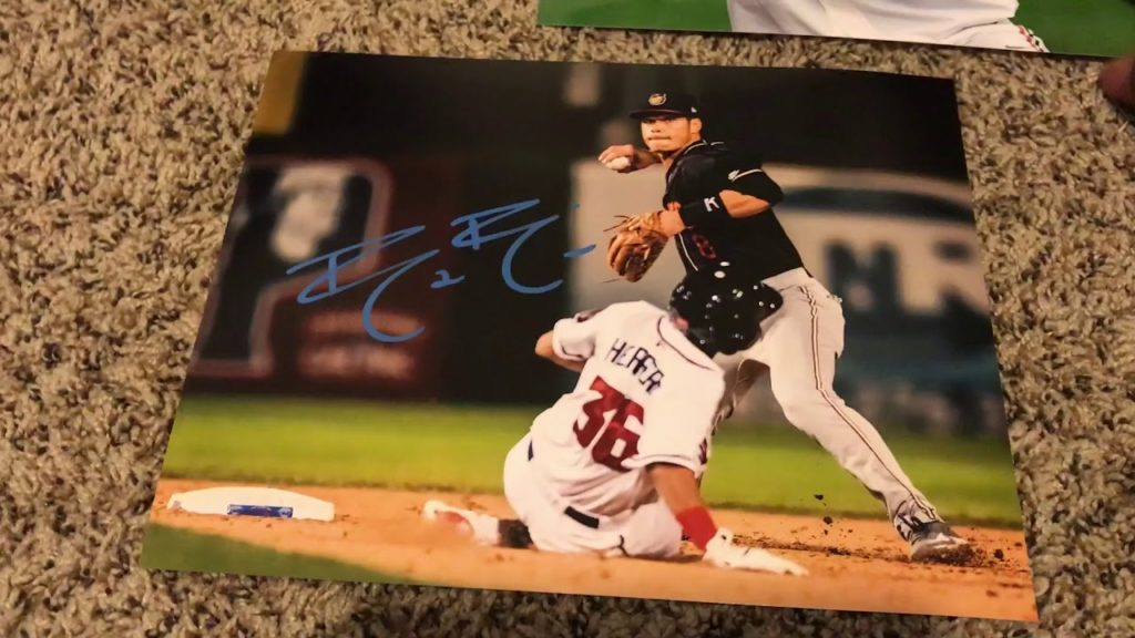 In person autograph week 9. Visalia Rawhide (DBacks) vs Modesto Nuts (Mariners). Minor league graphs