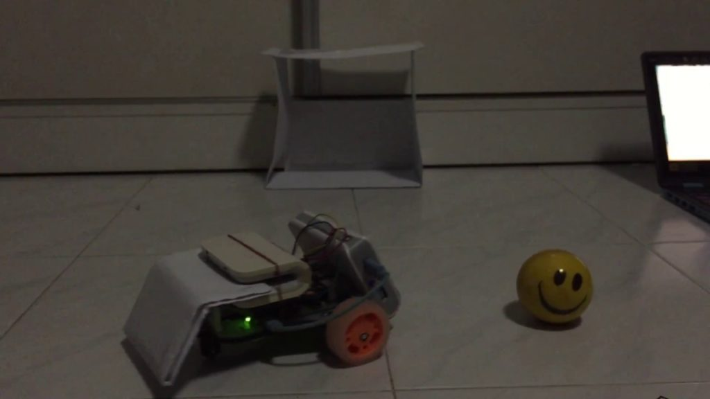 my raspberry pi 3 robotic football player scored a Goooaaal!!