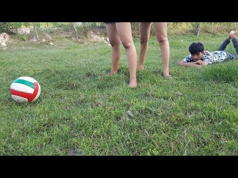 Pretty girl play football so happy – pretty footballer