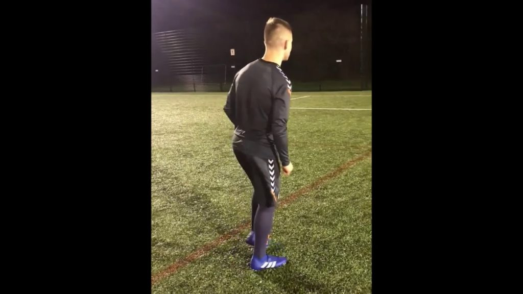 How to score good penalties in football