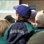Seattle Mariner pitchers, broadcaster meet with south sound fans in Lacey